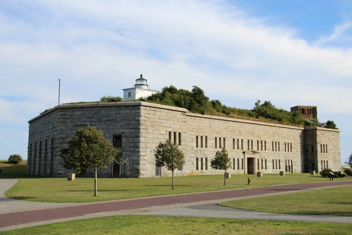 Fort Tabor, Fort Rodman Military Museum in New Bedford / WWII sites in Massachusetts