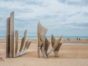 What to see at Omaha Beach, Normandy / Museums, memorials, monuments, and more / things to do at Omaha beach / D-Day and World War II sites in Normandy / #destinationwwii #worldwarii #normandy #omahabeach #dday