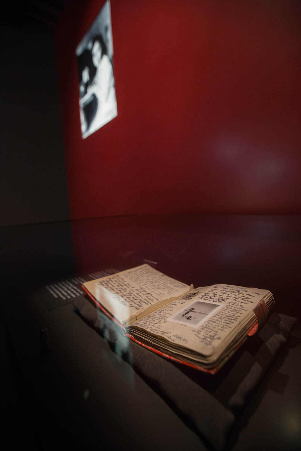 Anne Frank's diary | Tips for visiting the Anne Frank House museum in Amsterdam